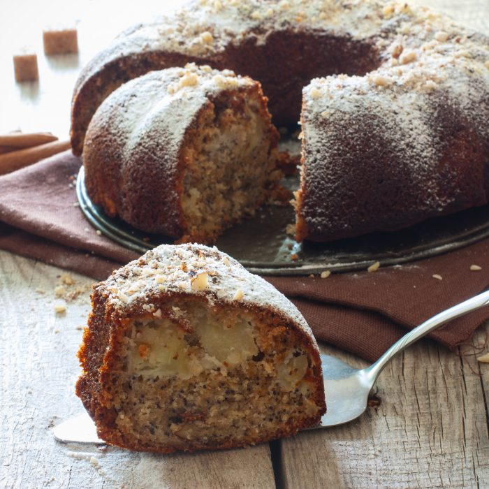 Iole's Apple and Spice Cake